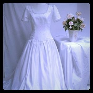 Alfred Angelo Elegant  White  Wedding Dress 10